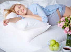 Erholsamer Schlaf auch während der Schwangerschaft.
